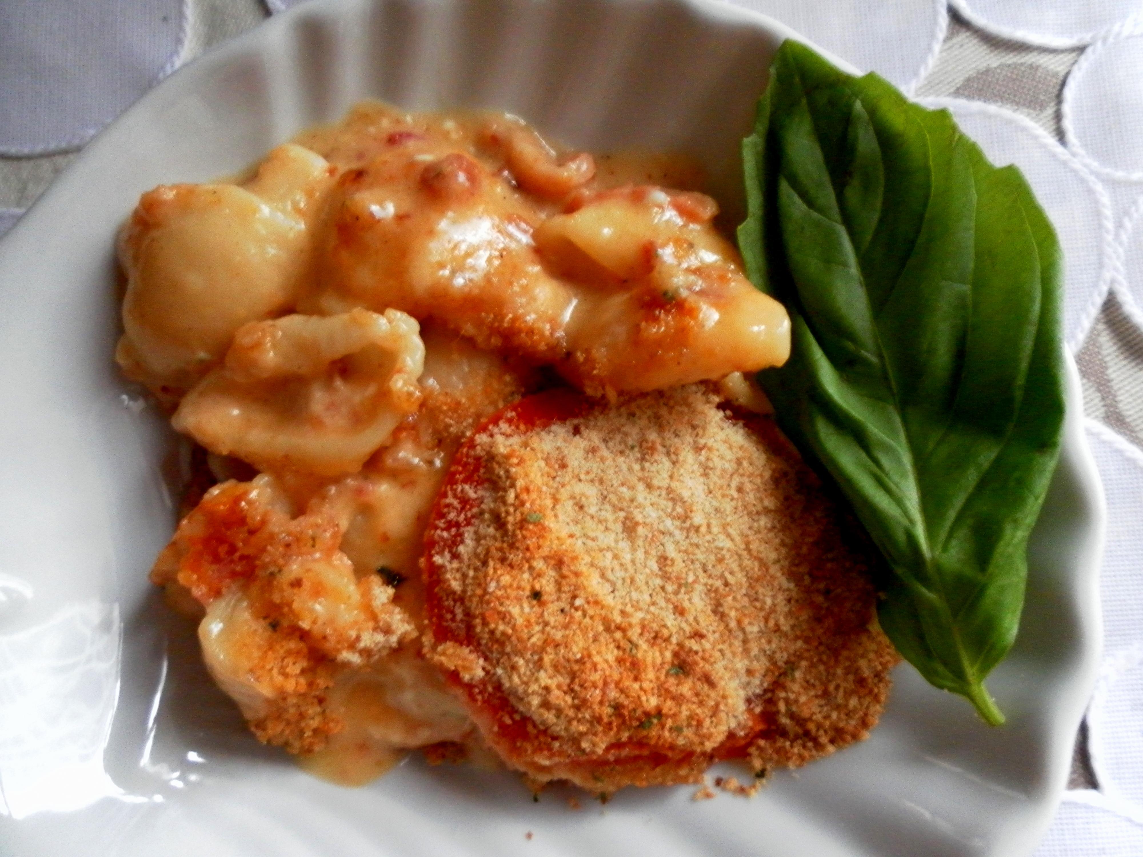 inas mac n cheese 003 So for my Wild Card* choice this week, I made Ina's Grown Up Mac and Cheese.