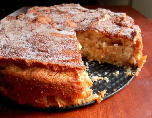 Yummy Apple Cake